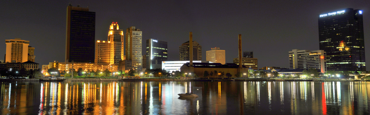 Toledo_Night_Skyline.jpg